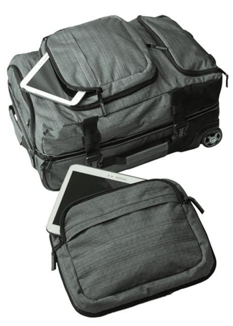 Pidä tavarat käsillä: pakkaa etutaskuun pikkuesineet ja irroita se kun saavut koneeseen.