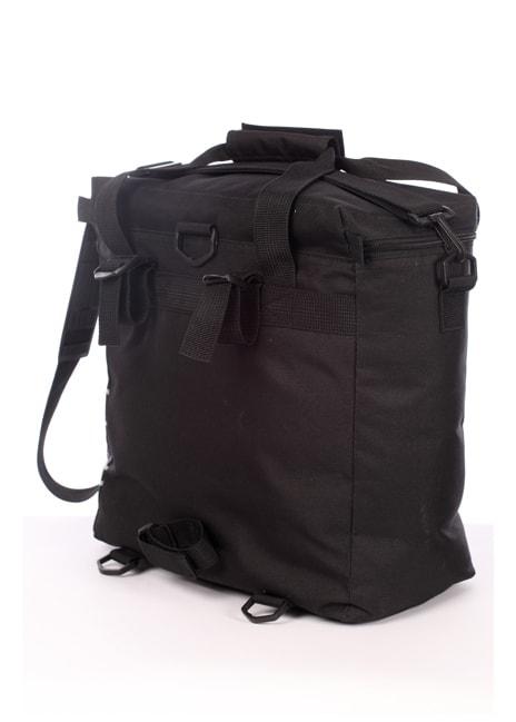 Laukku on helppo kiinnittää takaosan remmeillä polkupyörän ohjaustankoon.