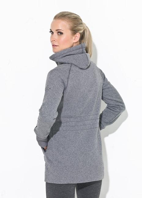 Lämpimässä takissa on irrotettava huppu