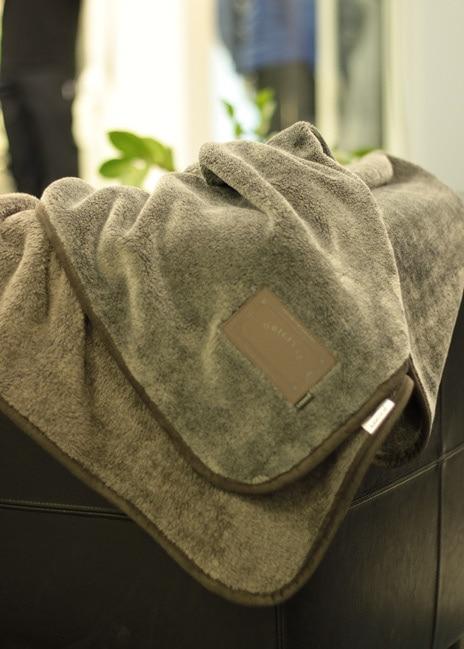 Anna liikelahjaksi Talviunitalja - muhkea kantattu fleece-huopa
